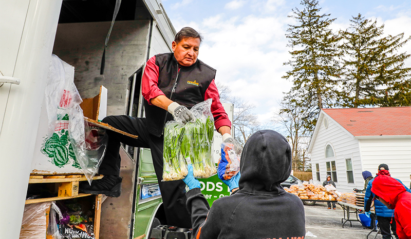blog-26-how-the-mobile-food-pantry-is-helping-to-fight-hunger_3